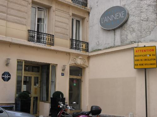 Hotel L Annexe A Budget Paris Hotel For The Solo Traveler