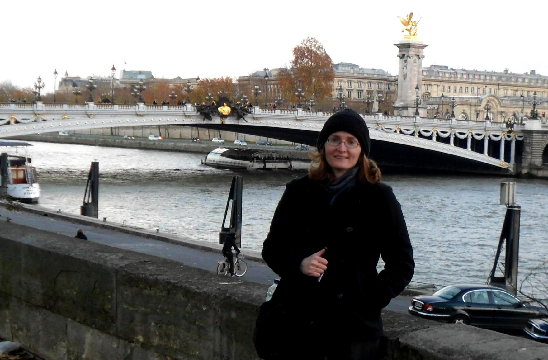 Solo Travel or Tour Travel? Which is Right for You?