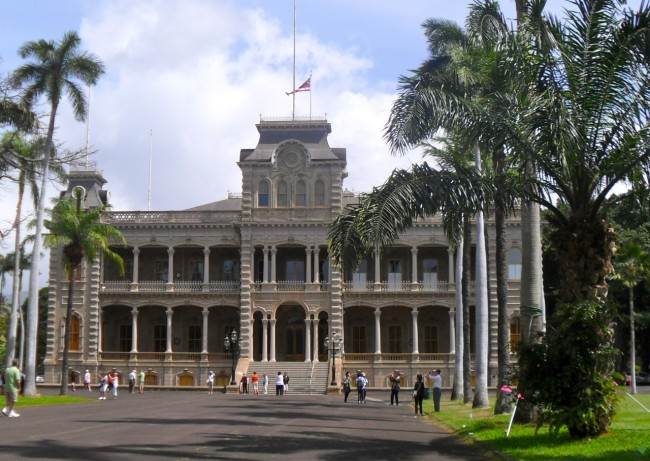 Post image for Visiting Iolani Palace on Oahu