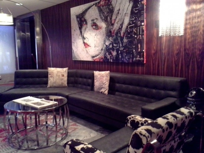 Lobby lounge at Hotel Rouge