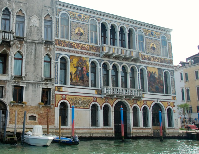Mural building along Grand Canal